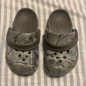 Camo crocs toddler size 7c